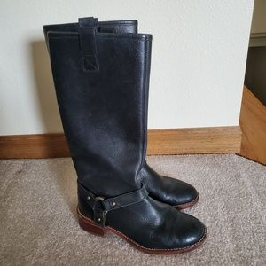 Banana republic size 6 black boots